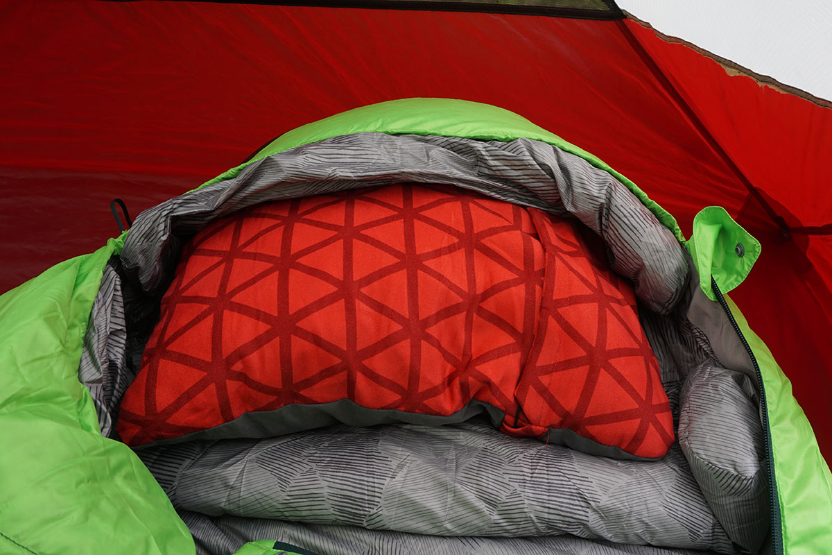 Review The Compressible Pillow By Therm A Rest Adventure Rig